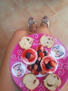 Queso fresco con arandanos y fresas